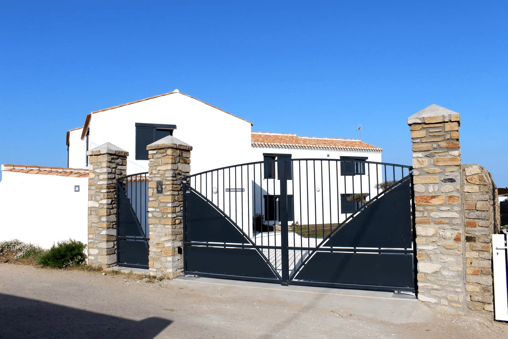 construction-renovation-85-couverture-beton-decoratif-maconnerie-vendee-fenouiller